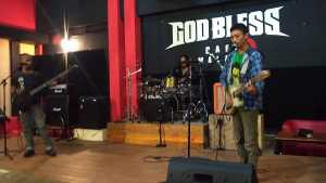 Studio Nigt di God Bless Cafe 22