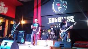 Studio Nigt di God Bless Cafe 23