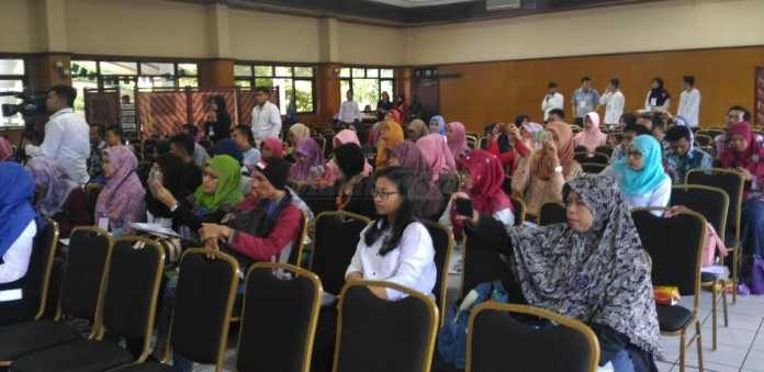 Seminar nasional Hear Our Sign di BAU UMM