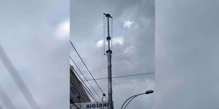 Tower Single Pole di Jalan Mayjen Panjaitan