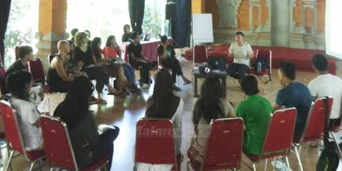 Workshop riset artistik di Ubud Hotel