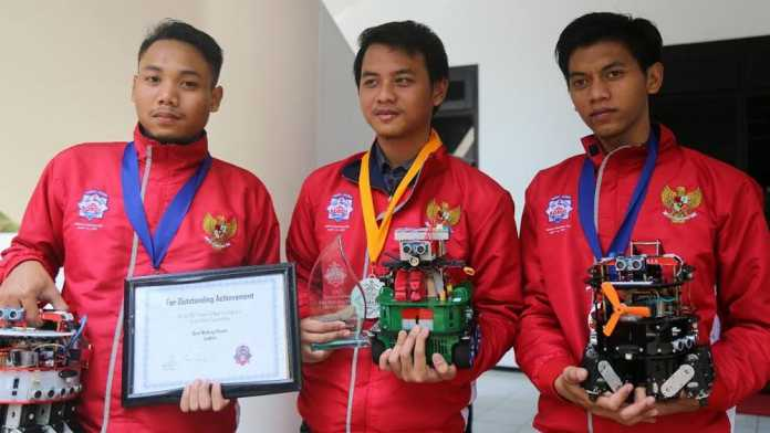 Tim pemenang kontes robot di AS (ist)